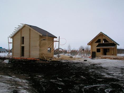 2 дома из оцилиндрованного бревна